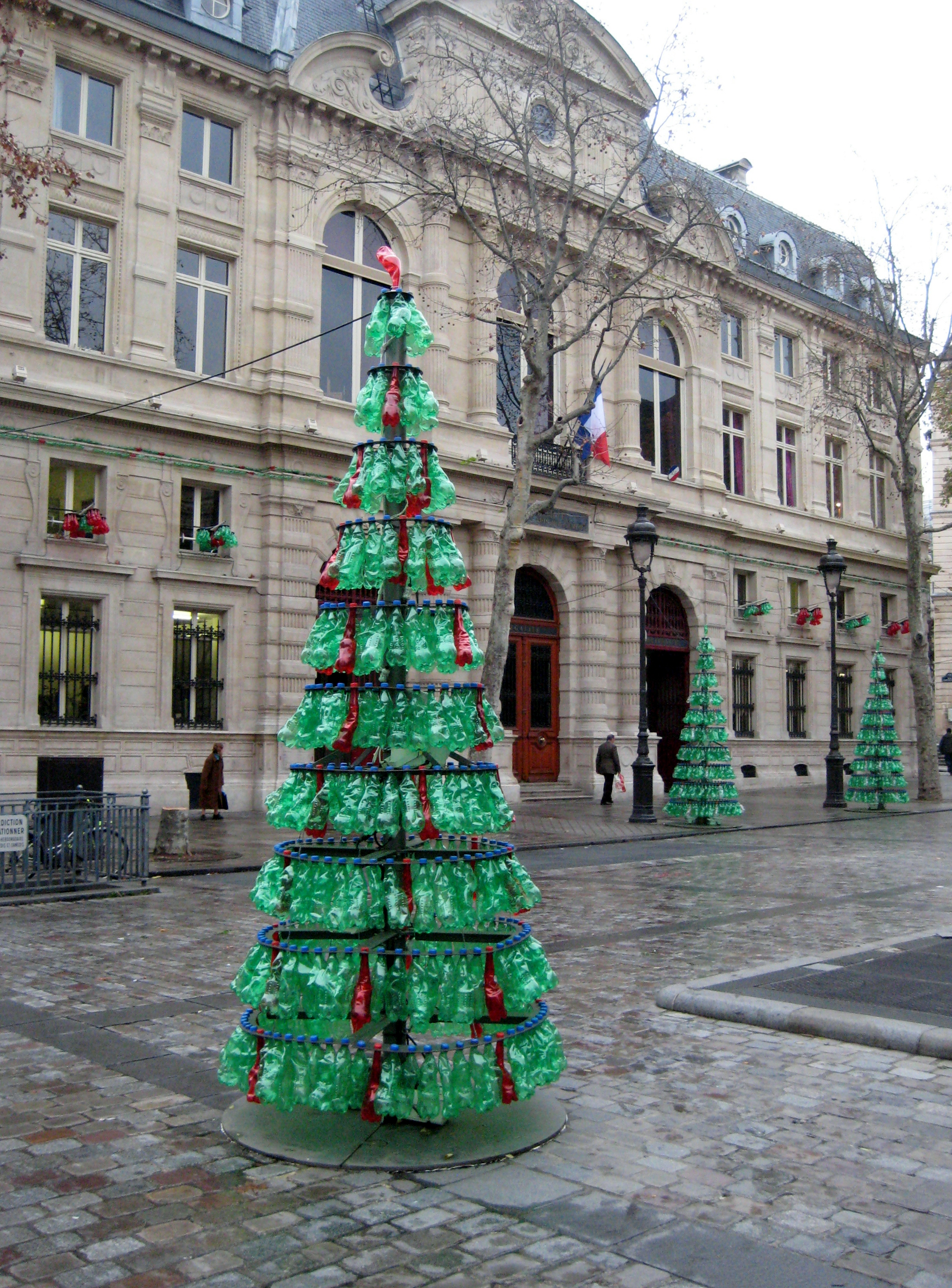 Resourceful Christmas in Paris